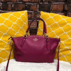 🌸OFFERS?🌸Coach All Leather Magenta Small Satchel